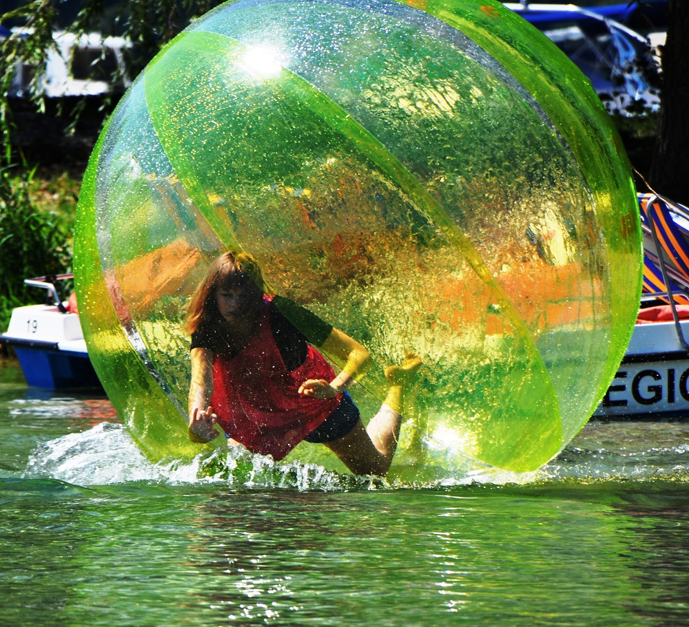 beach party waterball