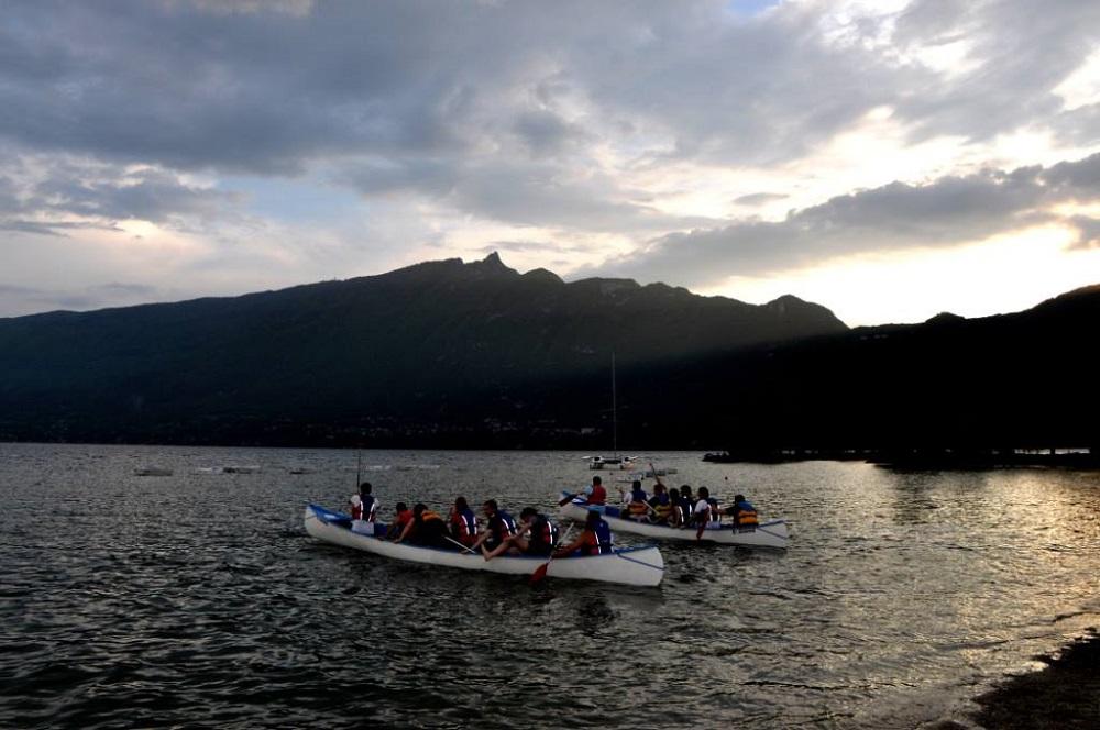 beach party canoë lac du bourget